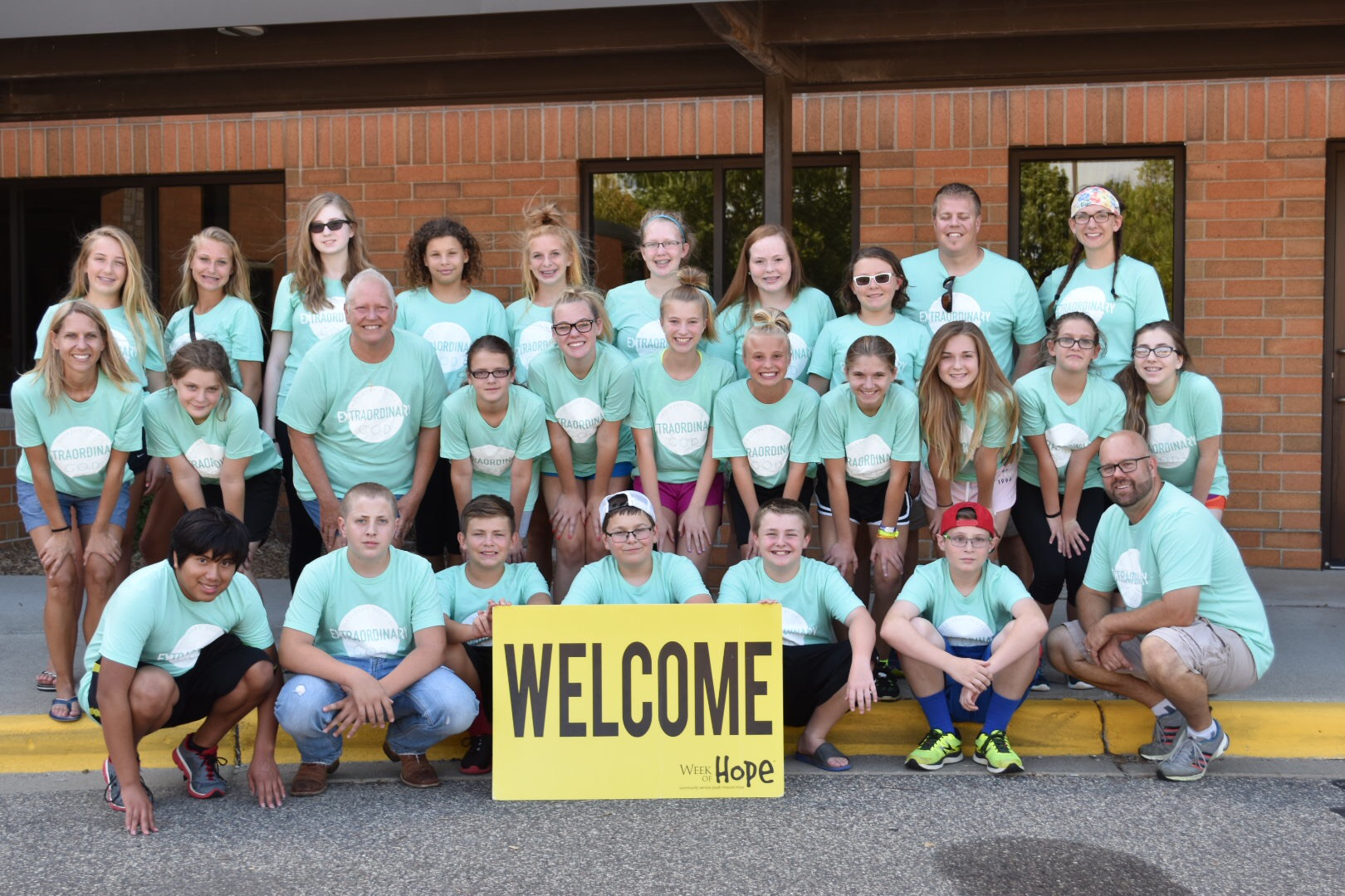 middle school student mission trip group